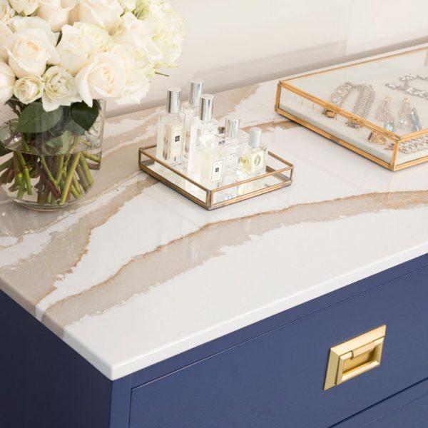Brittanicca Gold R Soo Line Loft Furniture Henke 01 18 600x600 - Brittanicca Gold