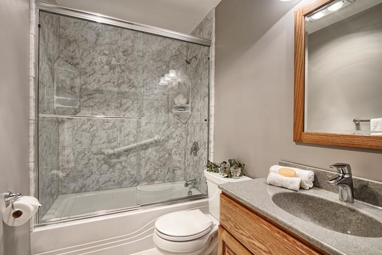 save on quality bathroom remodel in Milwaukee