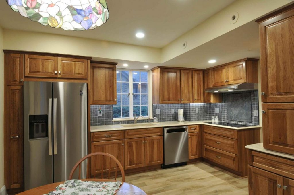 discounts on Milwaukee kitchen cabinets